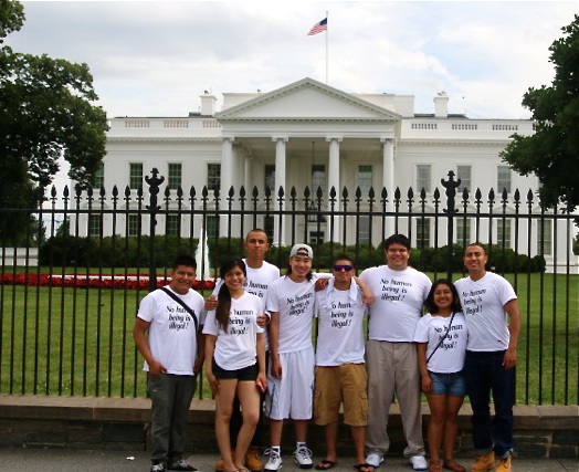 Martín & Friends in front of White House June 2014